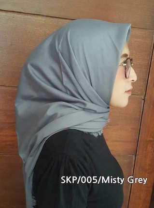 Square Copa - Misty Grey , model Hijab terbaru, grosir Hijab , model Kerudung segi4, model Hijab, produsen Hijab, supplier Hijab