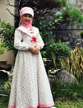 Memilih Busana atau Baju Muslim Anak Perempuan